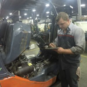 Service_Tech-Forklift-Eval-960x540